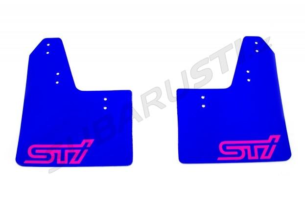 Modré zástěrky s růžovým logem STI Impreza GT 1993-2000